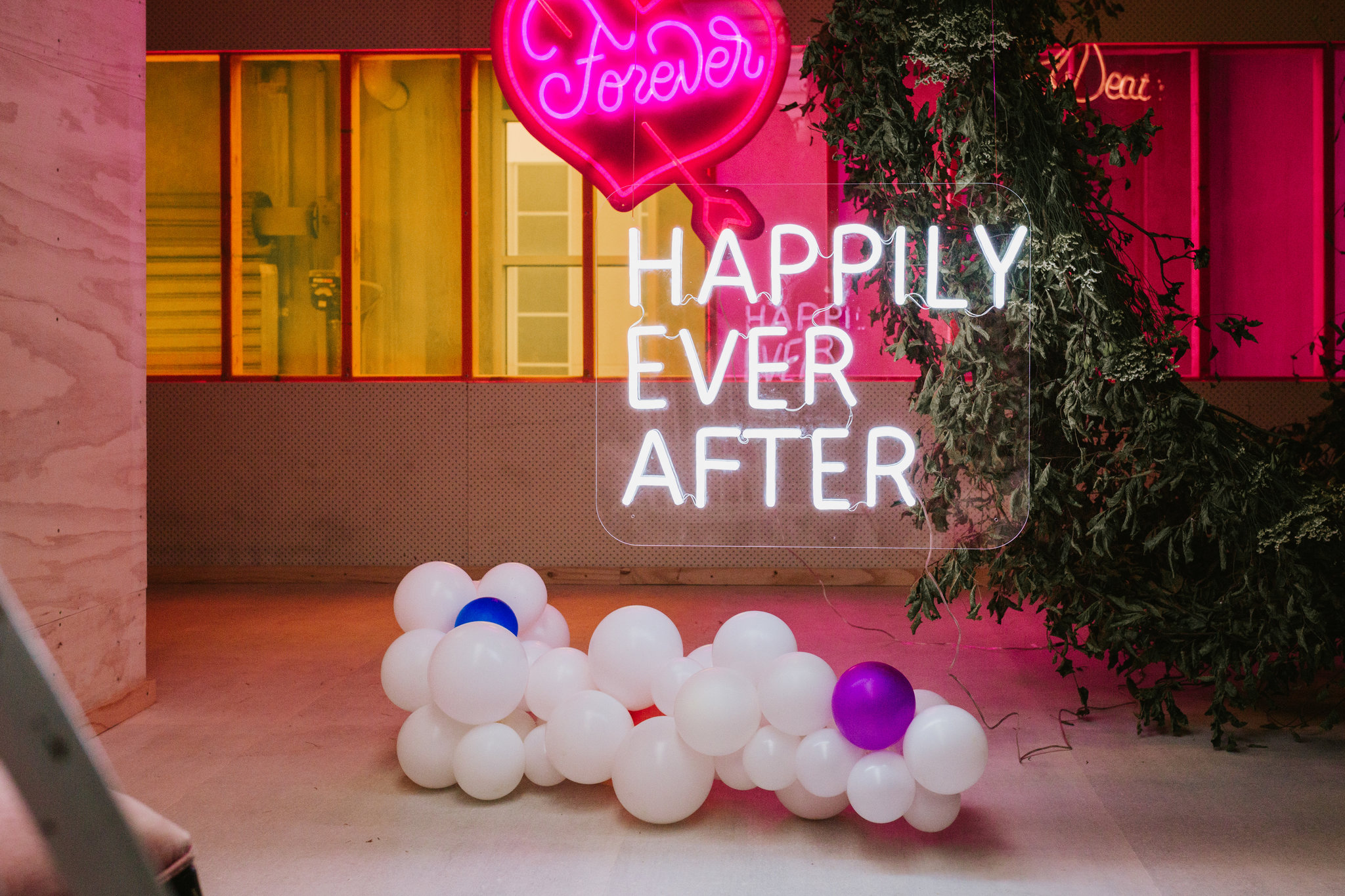 Good Day Rentals Neon wedding by Gold and Grit