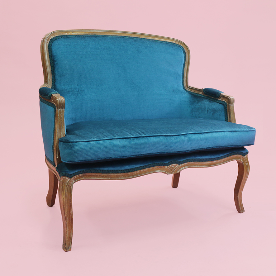 Claude the French love seat 1-LN013
