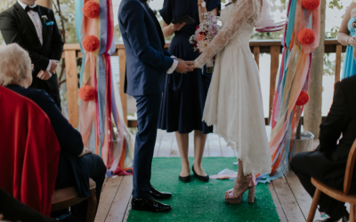 Rock n Roll Bride – Stacey + Ben's colourful 1960's inspired wedding
