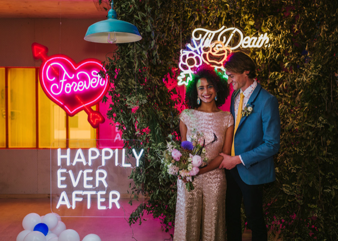 HOORAY! – Neon + Glitter Electric confetti styled shoot